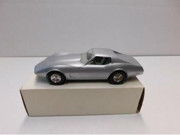 AMT 1977 Corvette Silver Dealer Promo 1:24